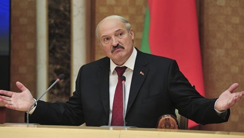 Лукашенко отказался от российской авиабазы