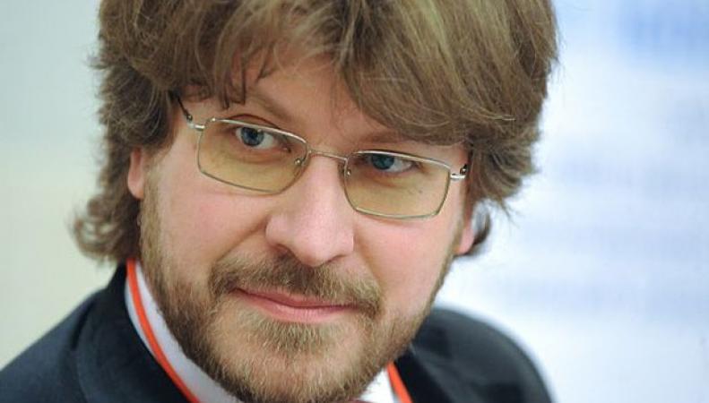 По результатам проведенного опроса в Европе, Лукьянов сделал вывод о прекращении существования НАТО в случае войны