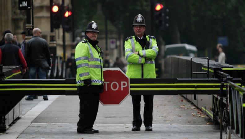 Полиция расследует массовые обмороки в Англии