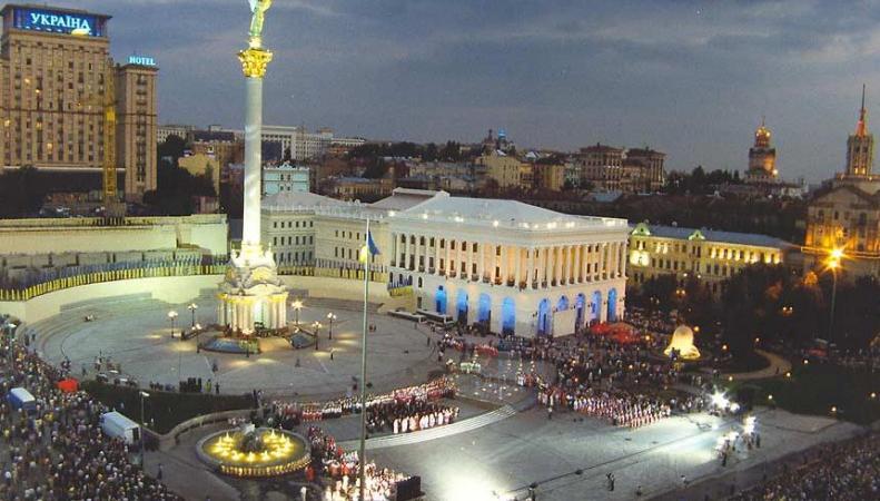 В центре Киева представители «Правого сектора» избили журналистов из России, http://www.business.ua/