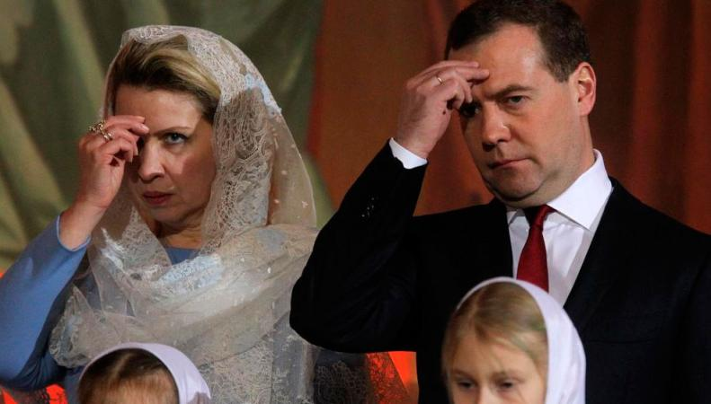 Российский премьер поздравил с Рождеством всех россиян, http://loveopium.ru/