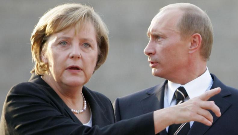 В Кремле прокомментировали информацию о визите Меркель в Лондон