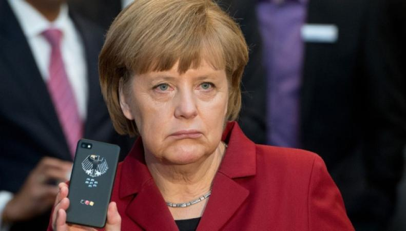 Ангела Меркель и телефон