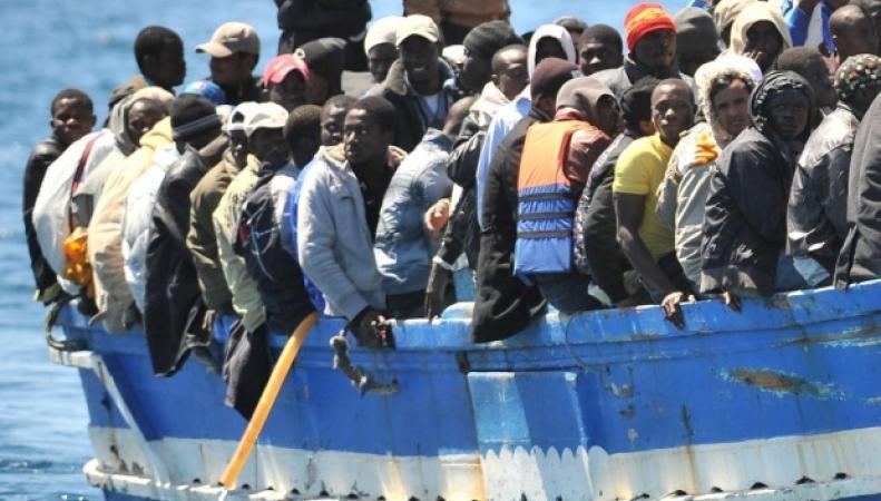 Беженцы из Африки направляются в Европу