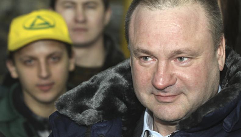 Суд Версаля арестовал имущество Парамонова