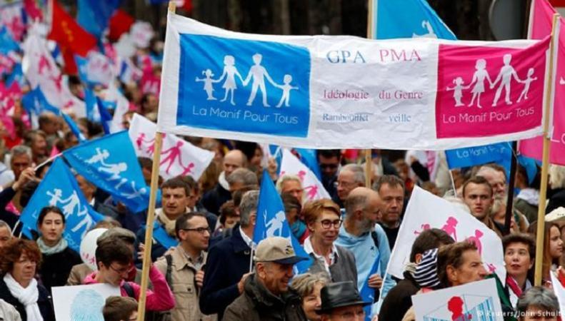 Митинг противников однополых браков во Франции