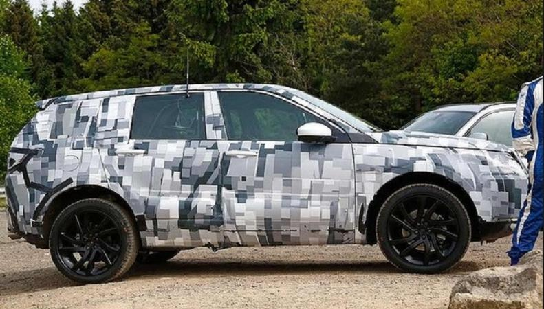 Фотошпионы сделали снимки нового Land Rover Discovery Sport