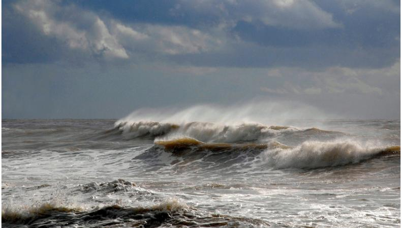 В акватории Южно-Китайского моря затонул корабль