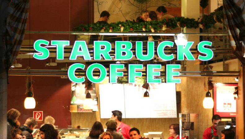 Apple и Starbucks подозреваются в уклонении от налогов в странах ЕС