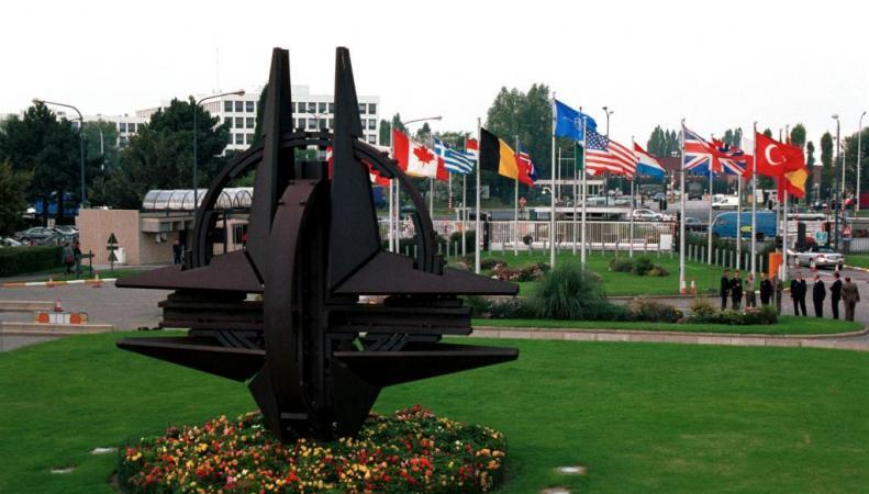 Минобороны Британии: НАТО не планирует формировать постоянные базы на государственных территориях стран Балтии