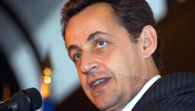 Необходимо создание нового экономического союза Франции и Германии, заявляет Николя Саркози
