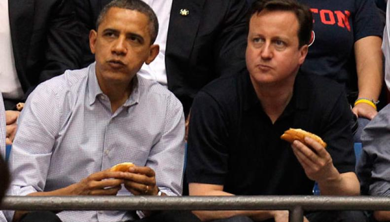 Обама и Кэмерон едят хот-дог