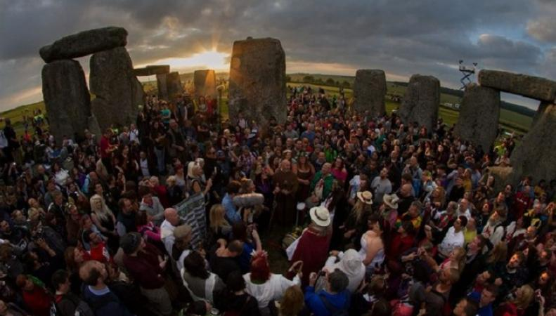 Летнее солнцестояние 2015 около Stonehenge