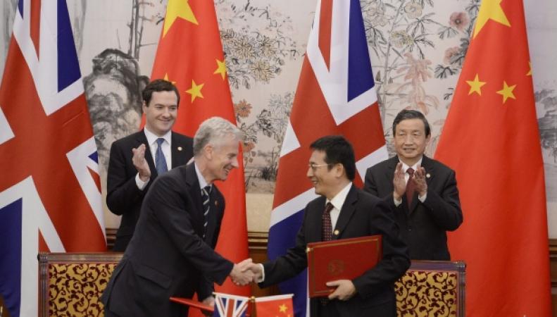 Джордж Озборн во время переговоров с вице-премьером Китая Ма Каем