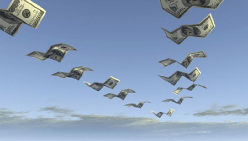 Инвесторы массово выводят деньги из Великобритании
