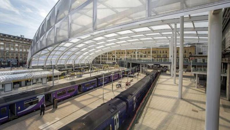 вокзал Manchester Victoria