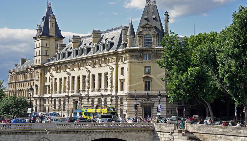 Здание криминальной полиции Парижа