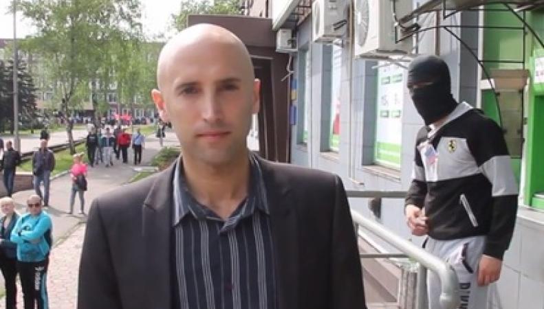 Задержанного журналиста из Британии могли перевезти в Киев