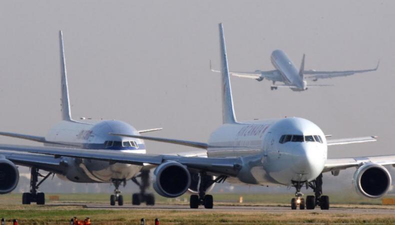 самолеты в порту