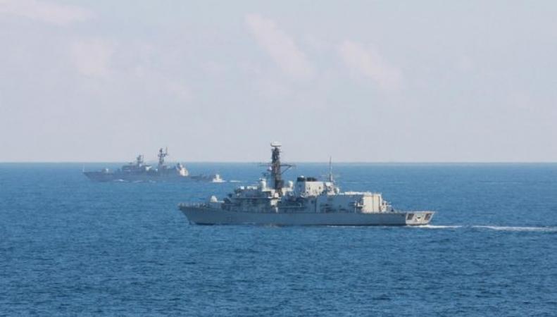 Российский корабль в Ла-Манше
