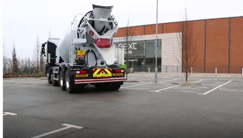 В Британии изобрели уникальное дорожное покрытие