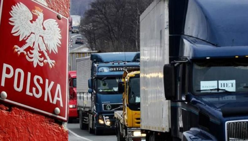 Польша обвинила Россию в блокировке рынка для транспорта страны
