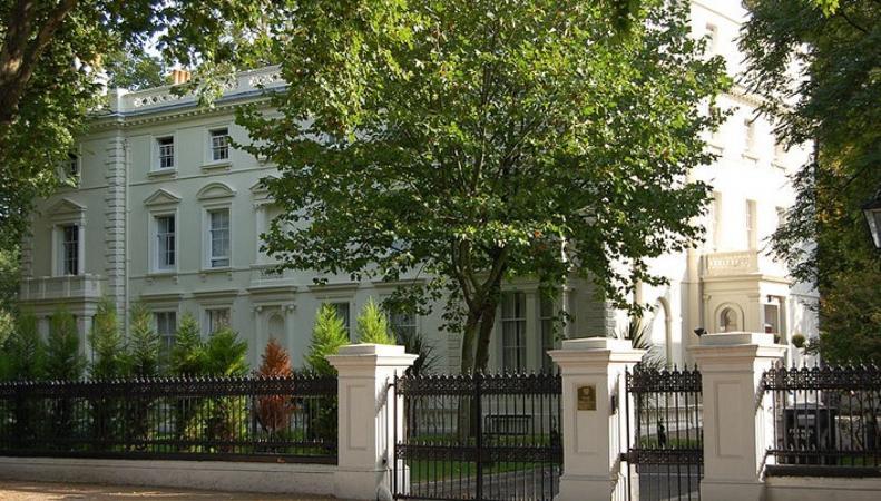 Посольство РФ в Великобритании комментирует обсуждение новсти о предупреждении граждан России, собирающихся посетить страну