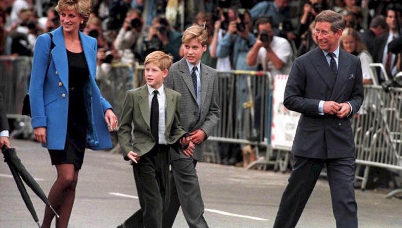 Принцесса Диана, принц Чарльз с Уильямом и Гарри