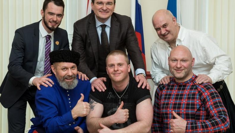 Генконсул РФ в Эдинбурге встретился с шотландскими борцами