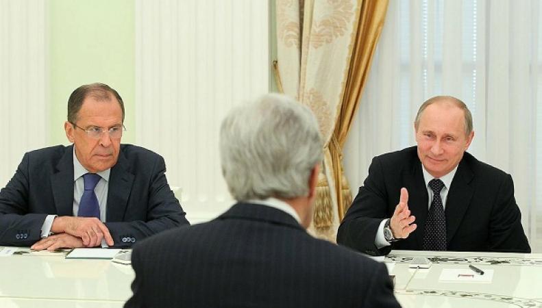 """Не сумев изолировать Россию, штаты решили ее """"обольстить"""""""