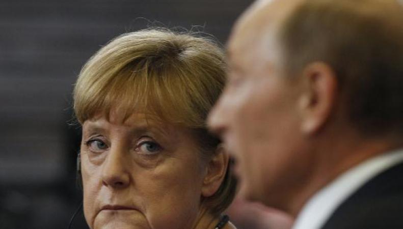 Германия назвала причины отмены встречи Меркель и Путина