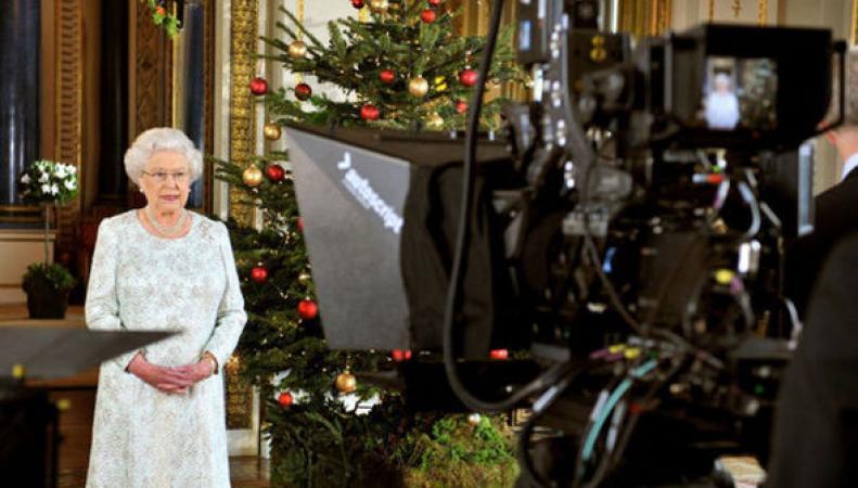 запись телеобращения королевы