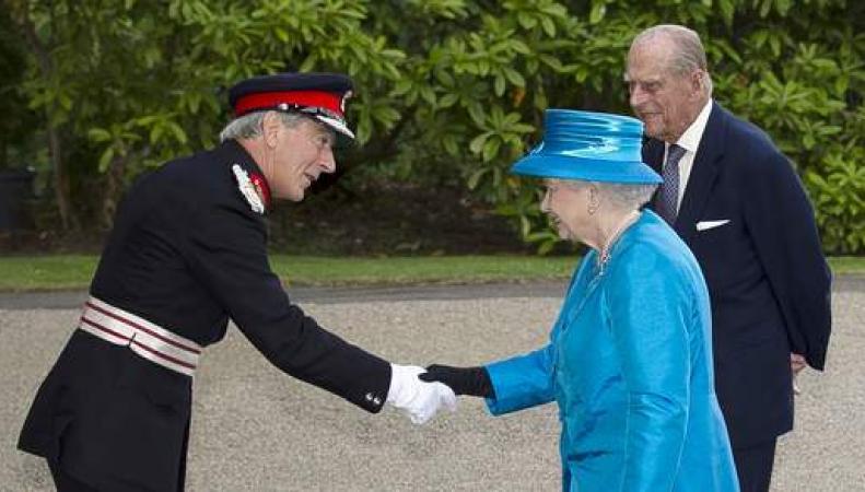королева Елизавета в Белфасте