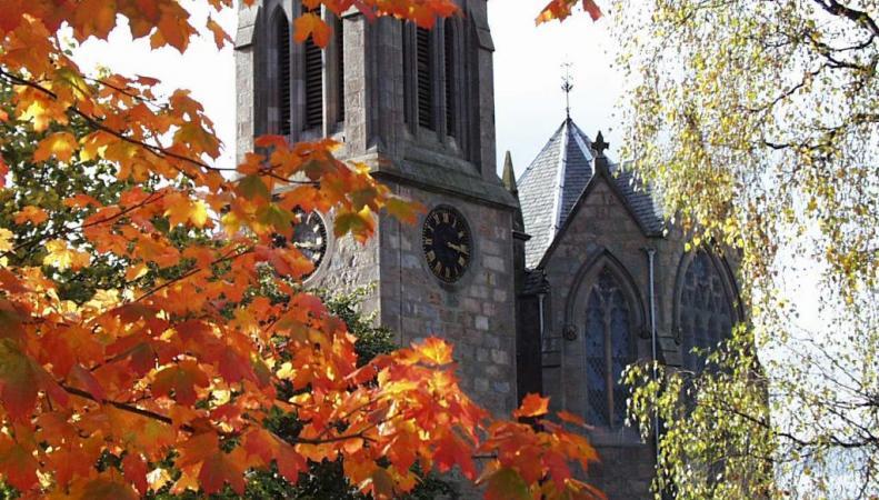 замок в Шотландии осенью