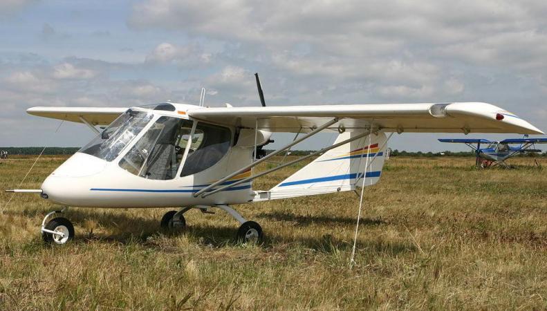 Легкомоторный самолет разбился в центральной части Англии, погибли двое