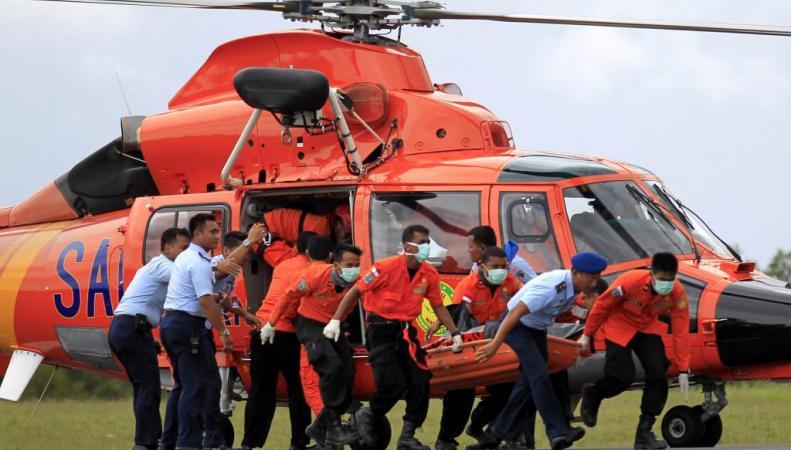 Бортовой самописец самолета AirAsia поднят на поверхность, http://novostimira.net/