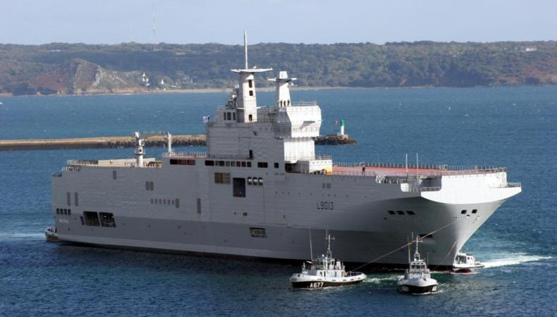 Источник: Франция начинает испытания «Мистраля», построенного для России