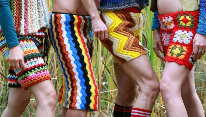 Связанные крючком мужские шорты стали новым трендом этого лета