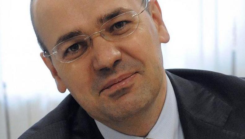 Российского политолога выдворил из Латвии министр внутренних дел страны, http://www.novayagazeta-ug.ru/