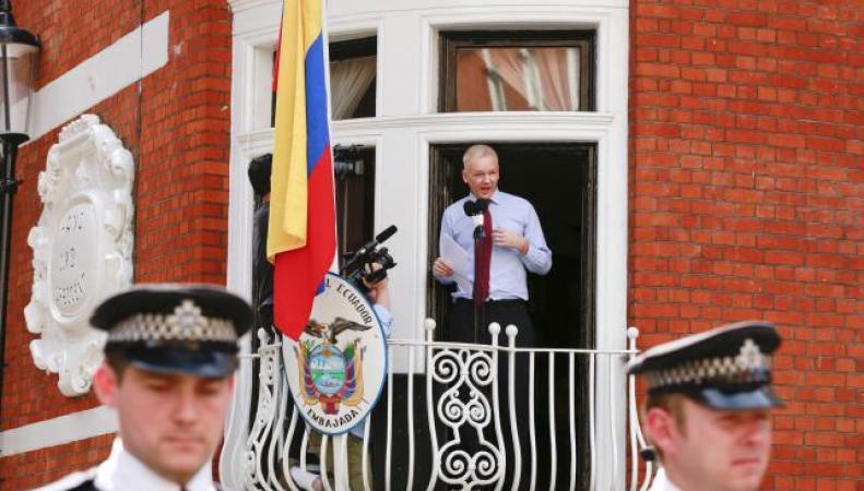 Ассанж в посольстве Эквадора