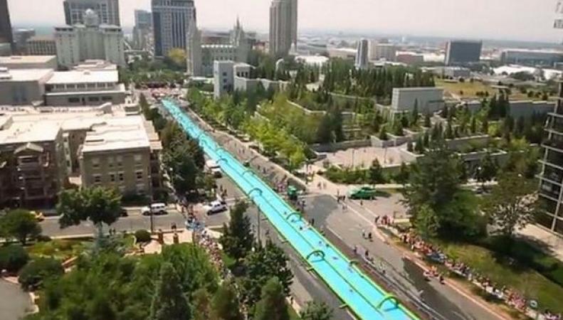 Водный аттракцион Slide The City