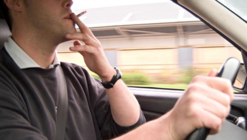 курение в автомобиле запрещено