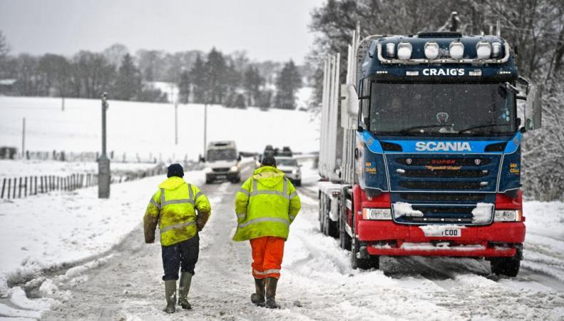снег в Шотландии