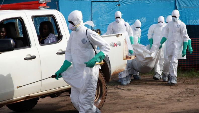 Специалисты по борьбе с Эбола