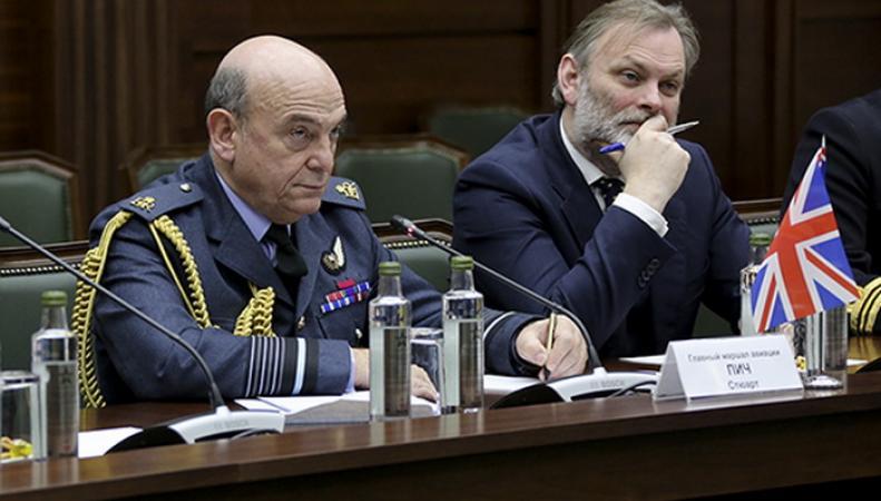 Представители Генштабов Британии и России обсудили налаживание оперативной связи