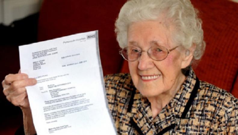В Великобритании столетняя старушка получила уведомление о беременности