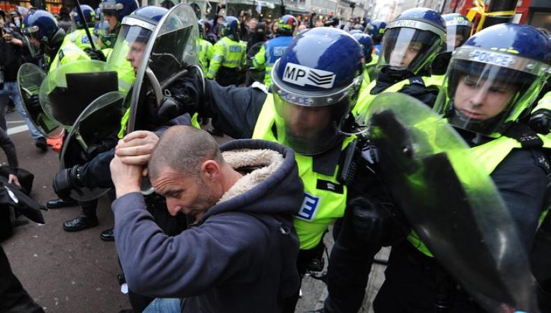 В Лондоне произошли столкновения студентов и полиции