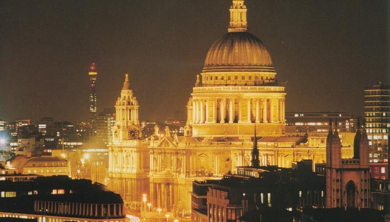 Англиканская церковь заработала на недвижимости 2 миллиарда