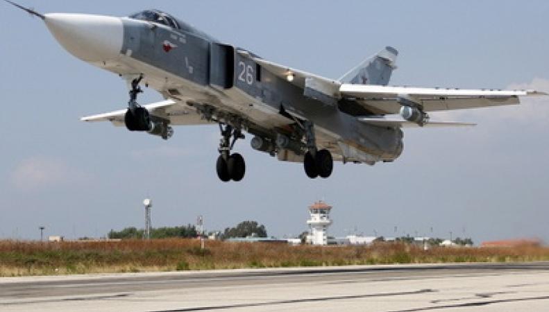 Самолет Су-24 российских ВВС сбит на границе с Сирией
