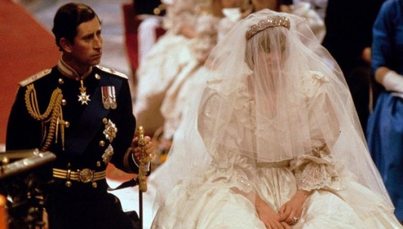 В Сети появились неизвестные снимки со свадьбы принцессы Дианы